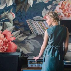 Фотообои Акварельные цветы на темном фоне
