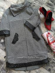 Стильное теплое платье свободного кроя с рукавом 3-4