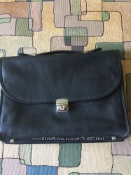 Кожаный женский портфель бу  ширина  -34 см высота 24 см