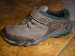 Новенькие  босоножки,  легкие    кросовки,   20-23 см
