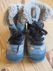 Зимние сапожки на овчине натуральная кожа р. 25-26 16 см в отличн. состоян