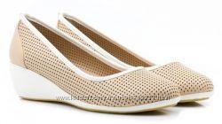 Замечательные классические нежные летние туфельки Plato 39 25, 5 см новые