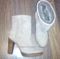 Бежевые фирменные полусапожки ZARA на каблуке - 26 см стелька