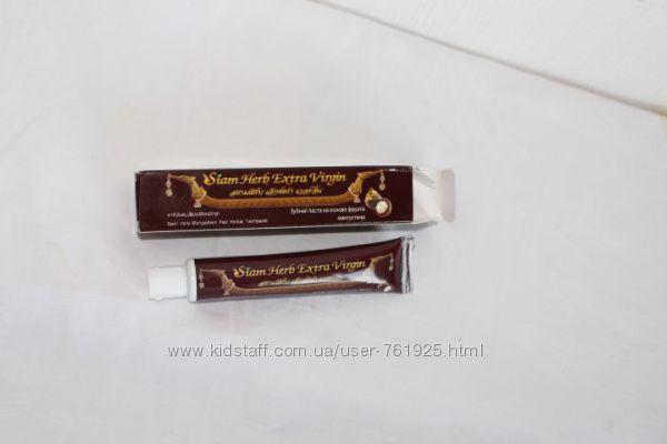 Черная зубная паста с мангустином в тубе