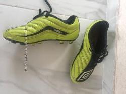 Шиповки бутсы футбольные Umbro, 30 размер 18, 5 см