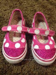 Разная обувь для девочки