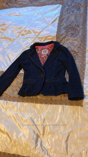 Наши фирменные пиджачки Next 3-4 года