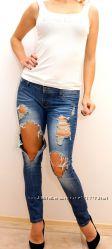 Рваные джинсы Sara Jeans