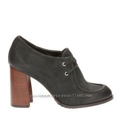 Шикарные нубуковые туфли полуботинки Clarks 34-35, 5