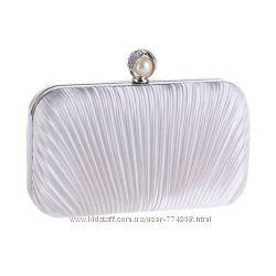 138efa020664 Атласный каркасный вечерний клатч, 680 грн. Женские сумки купить ...