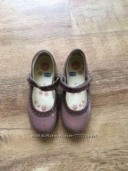 Кожаные лакированные туфли Chicco. Размер 27