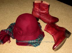 комплект цвета марсала шляпа, шарф, кожаные ботинки Bronx