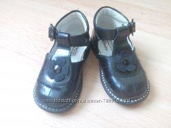 Лакові туфельки