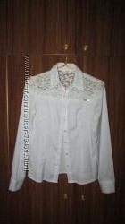 67999681437 белая рубашка с длинным рукавом и гипюром M