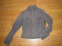 Курточка -ветровка Orsay