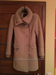 Тёплое стильное пальто в идеальном состоянии