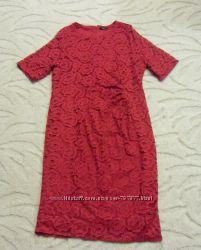 Яркое кружевное платье большого размера