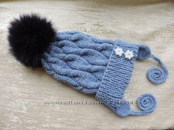 Детская  вязанная шапка с помпоном, ручная работа