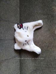 Беленькая гламурная шапочка Хэллоу Китти не ношена на флисе