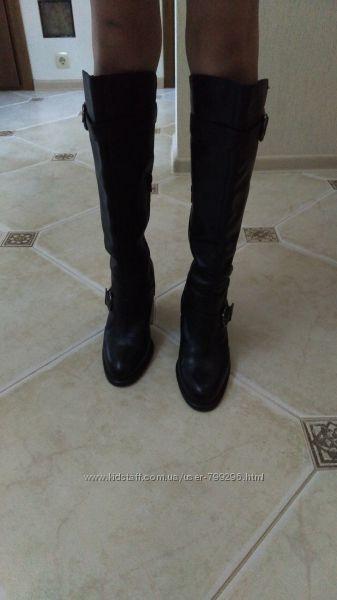 фирменные кожаные демисезонные сапоги в размере 39 по стельке 25, 3 см