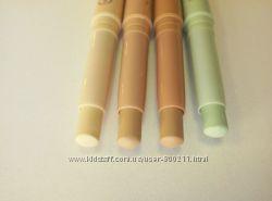 Маскирующий карандаш-стик LR Colours