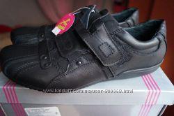 Туфли для мальчика, новые, черные, размеры 35, 36, 37, 40