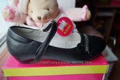 Туфли черные для девочки, новые, р. 31, 32, 34, 35