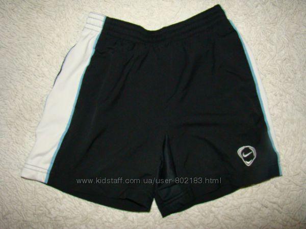 Плавки шорты Nike на 12-13 лет рост 152-158 см