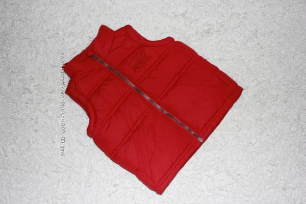 Яркая красная жилетка безрукавка Rebel на 2-3 года рост 98 см