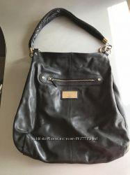 Женская кожаная черная сумочка CELYN