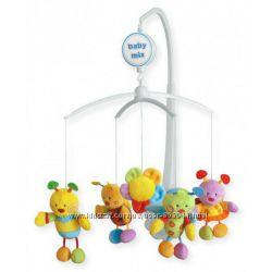 Мобиль на кроватку BABY MIX с плюшевыми игрушками Механическая каруселька