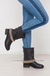 Стильные ботинки с цепью. Украина