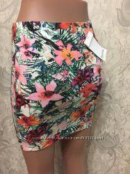 Летняя яркая юбка Bershka