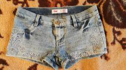 Джинсовые шртики Gloria Jeans на девочку 10-12 лет