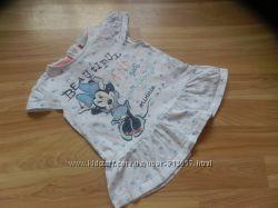 Фирменная футболка Disnay малышке 9-12 месяцев состояние отличное