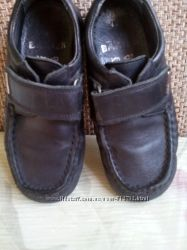 Туфли черного цвета, кожа, фирмы Bartek , р. 29 , стелька18 см.