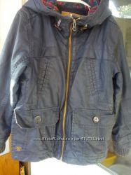 куртка фирмы NEXT. , синего цвета , на рост 104 см. , рукав  40 см. , плечо