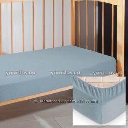 Махровая простынка в детскую кроватку