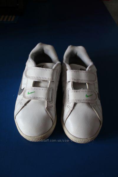 Классные кроссовки Nike для стильного мальчика