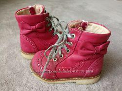 Розовые ботинки с ортопедической подошвой Woopy для девочки