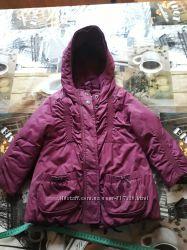 продам нашу любимую модную демисезонную курточку s. Oliver на девочку 98 рос