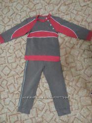 спортивный костюм в идеальном состоянии на мальчика возраста 4 года
