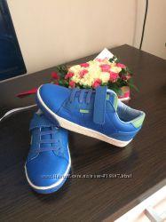 Кросівочки BATA італійського виробника