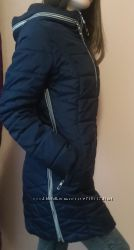 Удлинённая синяя куртка