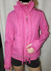 Superdry курточка ветровка розовая яркая