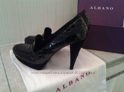 фирменые итальянские кожаные лаковые замшевые туфли лодочки фирмы Albano