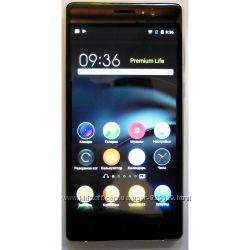 Мобильный телефон HTC S820 8 ядер, экран 5