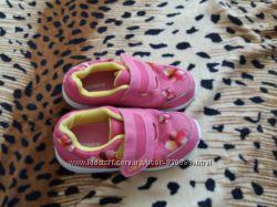 Продам текстильные кроссовки DEMIX