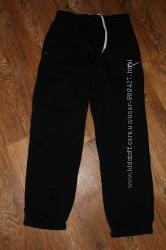 Спортивные штаны Nike на мальчика 10-12лет. 140-152см. Оригинал.
