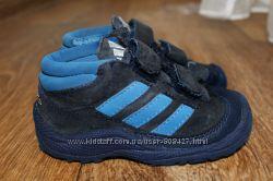 Демисезонные ботинки Adidas на мальчика. 21 р. 13, 5см. Нубук. Оригинал.